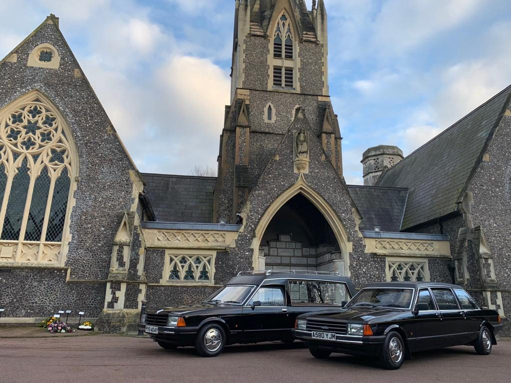Henfield Funeral Services - Ford Granadas 3